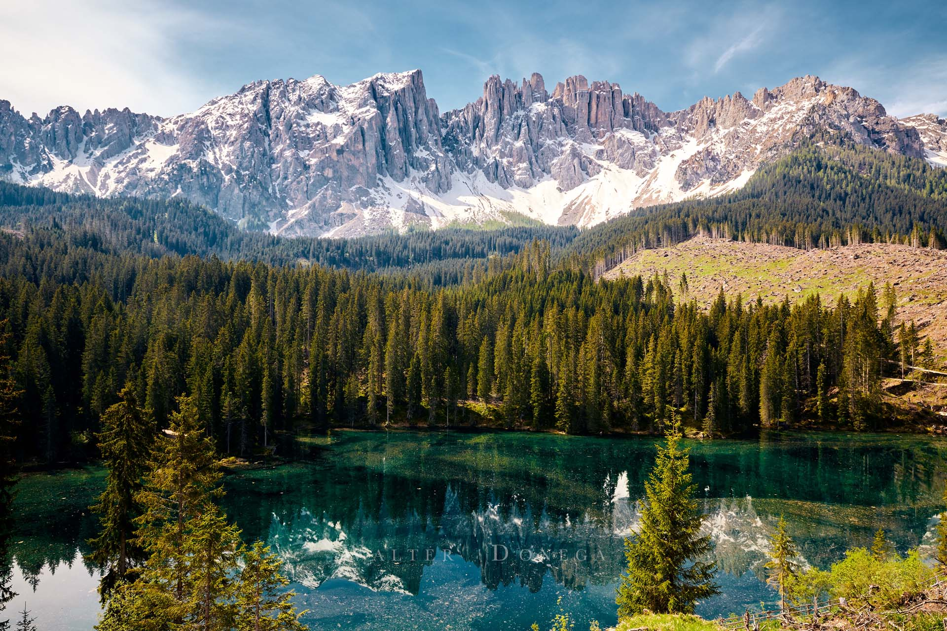 Il lago di Carezza e il Latemar